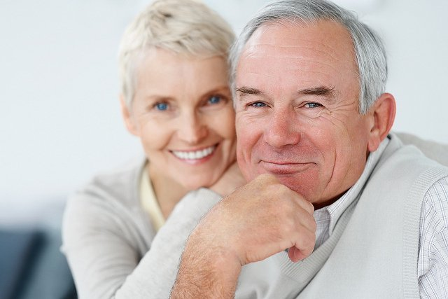 Мужчина и женщина в зрелом возрасте