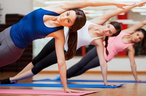 Девушки в спортзале